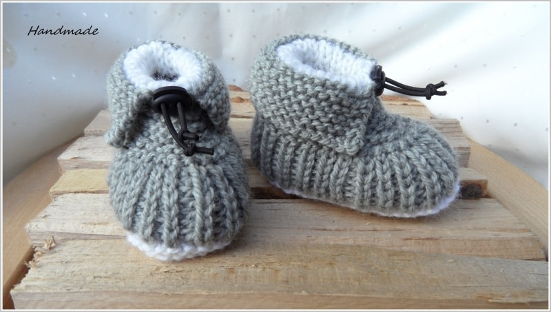 Kleinesbild - Handgestrickte Babyschuhe, Wollschuhe in grau, extra warm
