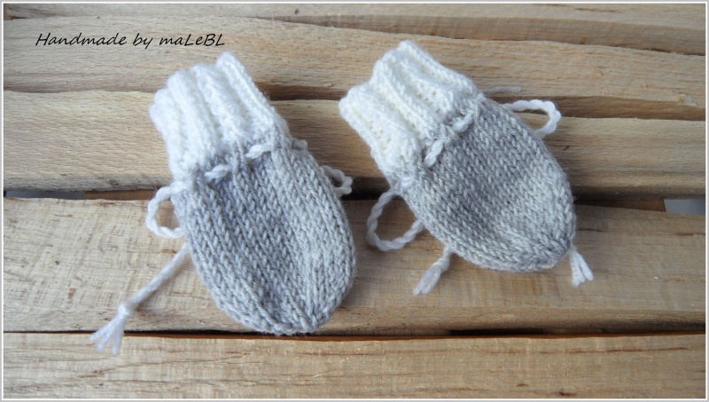Kleinesbild - Handgestrickte Babyhandschuhe zum Binden aus 100 % Wolle (Merino)