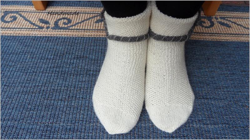 Kleinesbild - Wollsocken handgestrickt  im Trachtenlook. Größe: 38/39