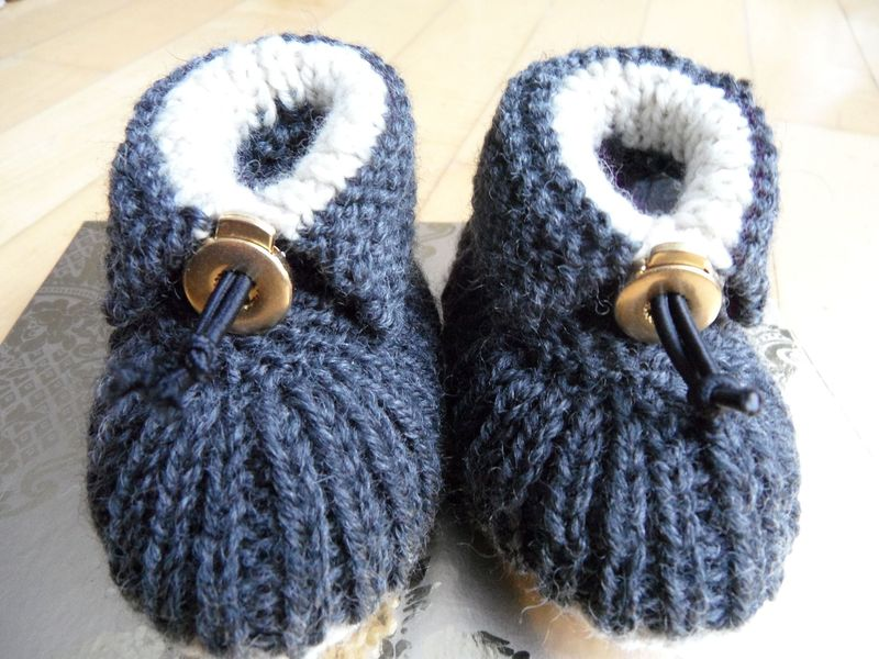 Kleinesbild - Gestrickte Babyschuhe, Wollschuhe aus Wolle (Merino) extra warm