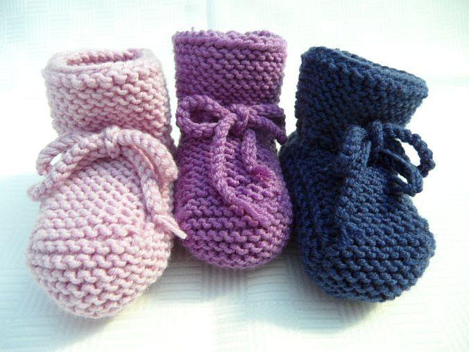 - Gestrickte Babyschühchen, Gr. 3-6 Mon. aus 100 % Wolle (Merino) - Gestrickte Babyschühchen, Gr. 3-6 Mon. aus 100 % Wolle (Merino)