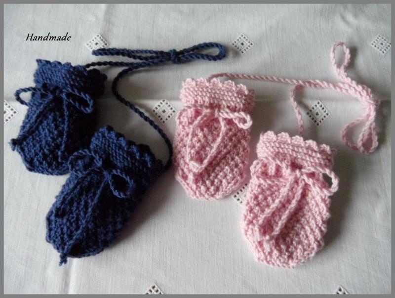 Kleinesbild - Babyhandschuhe aus Wolle (Merino), handgestrickt, Gr. 0-3 Mon.
