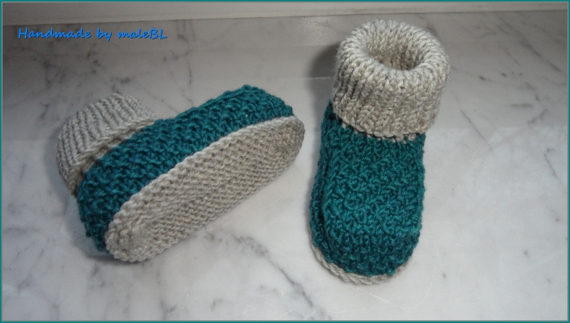 Kleinesbild - Babyschuhe, Babyhüttenschuhe, Größe: 3-6 Mon. aus 100 % Wolle (Merino). Auch toll als Geschenk zur Geburt und zur Taufe. Farbe nach Wahl