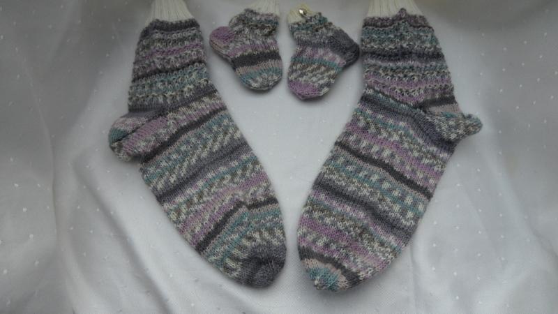 Kleinesbild - Mama und Baby-Socken, handgestrickte Wollsocken für Mutter und Kind