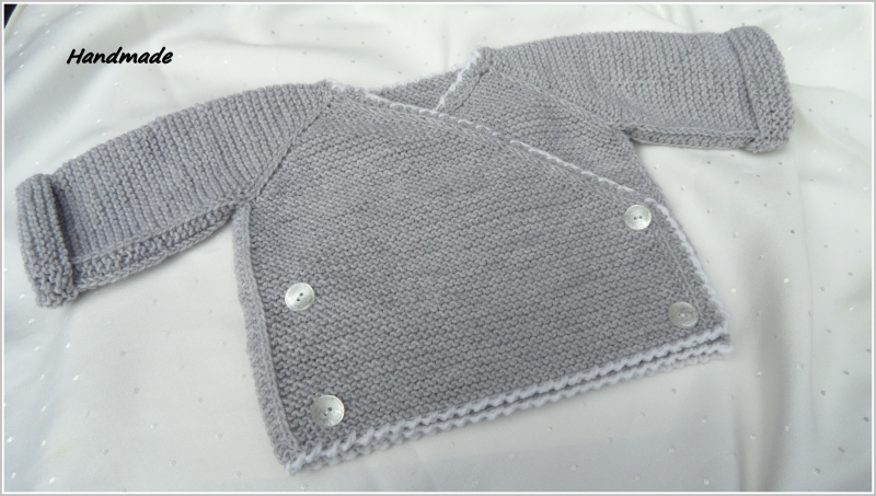 - Baby-Wickeljacke, handgestrickt, 100 % Wolle (Merino), grau/weiß - Baby-Wickeljacke, handgestrickt, 100 % Wolle (Merino), grau/weiß
