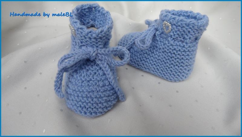 Kleinesbild -  Babyschuhe in hellblau, handgestrickt für kleine Jungen