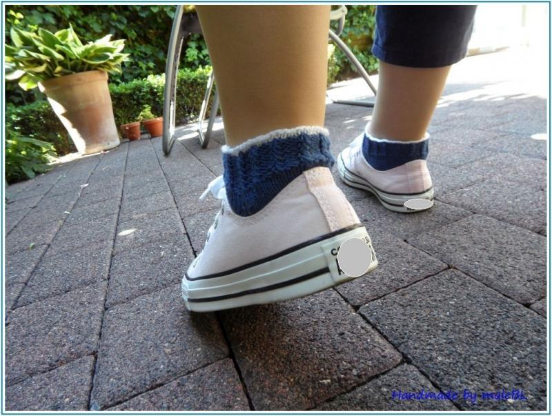 Kleinesbild - Sneaker Socken handgestrickt, Größe: 38/39, Blau, Weiß