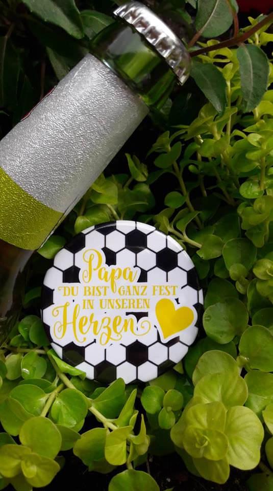 - Flaschenöffner Fußball Bier Männer  - Flaschenöffner Fußball Bier Männer