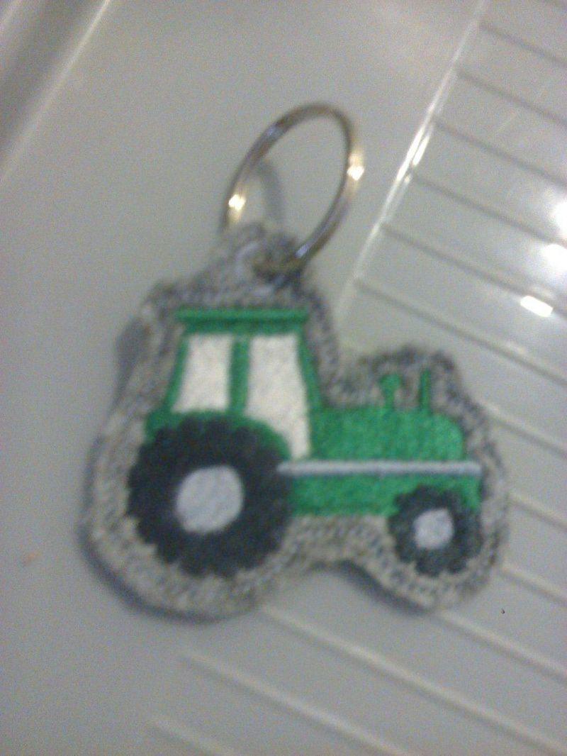 - Schlüsselanhänger,  Taschenbaumler, Filz, Traktor - Schlüsselanhänger,  Taschenbaumler, Filz, Traktor