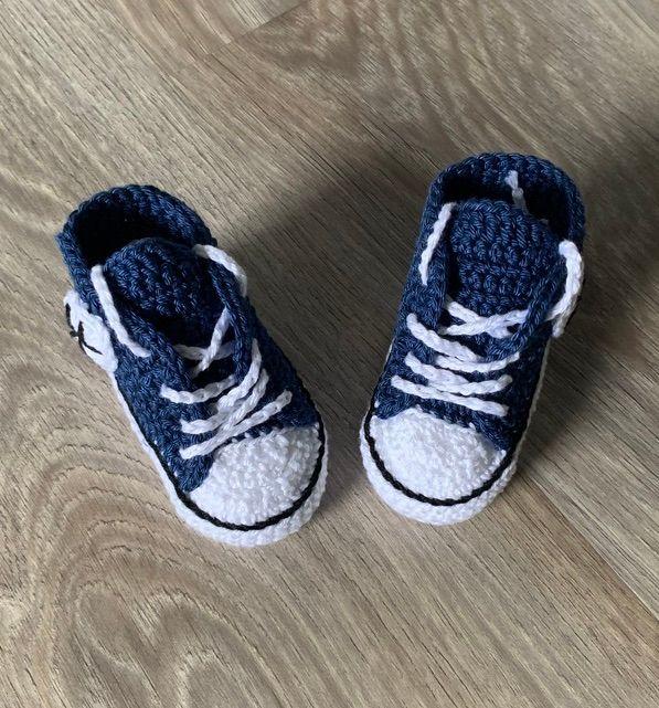 Kleinesbild - Babyturnschuhe - gehäkelte Babyturnschuhe in jeansblau mit schwarz (18)