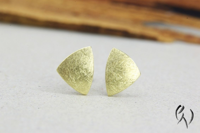- Ohrstecker Gold 585/-, kleines Dreieck, mattgekratzt - Ohrstecker Gold 585/-, kleines Dreieck, mattgekratzt