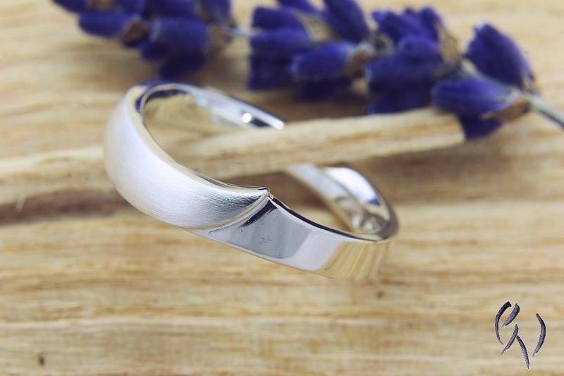 Kleinesbild - Handgemachter Ring Silber 925/-, Irisblatt