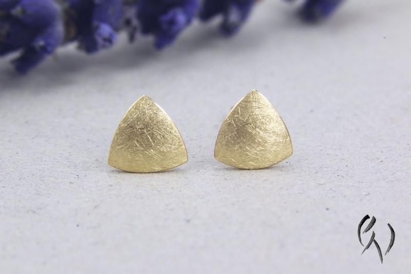 - Kleine Ohrstecker Gold 750/-, Minidreieck, mattgekratzt, Handarbeit - Kleine Ohrstecker Gold 750/-, Minidreieck, mattgekratzt, Handarbeit