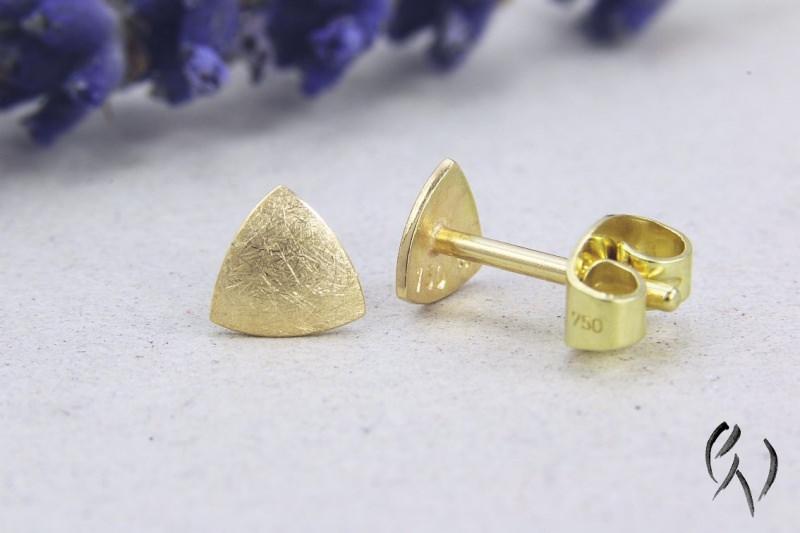 Kleinesbild - Kleine Ohrstecker Gold 750/-, Minidreieck, mattgekratzt, Handarbeit
