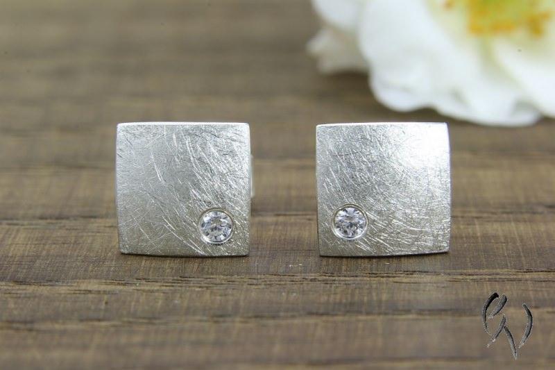 - Ohrstecker Silber 925/-, Quadrat mit Zirkonia, mattgekratzt - Ohrstecker Silber 925/-, Quadrat mit Zirkonia, mattgekratzt