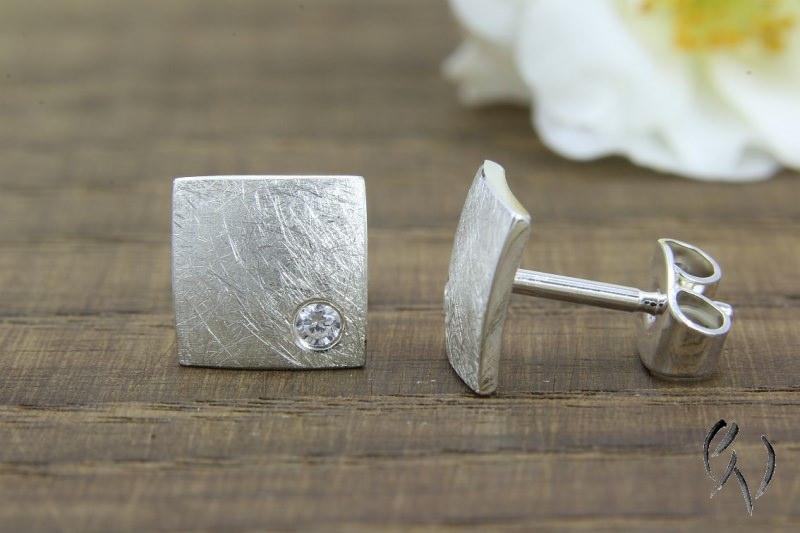 Kleinesbild - Ohrstecker Silber 925/-, Quadrat mit Zirkonia, mattgekratzt