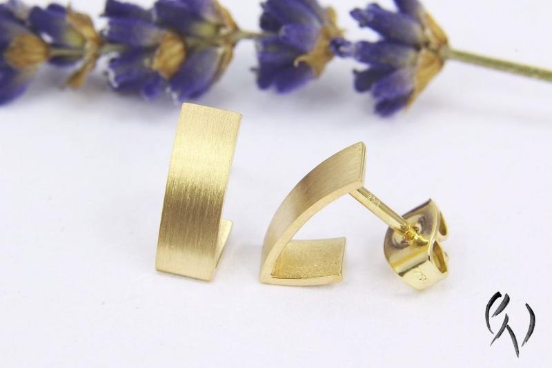 Kleinesbild - Kleine Ohrstecker aus Gold 750/-, kleine Streifen, strichmatt