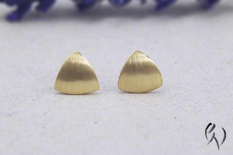 - Kleine Ohrstecker Gold 750/-, Minidreieck, strichmatt, Handarbeit - Kleine Ohrstecker Gold 750/-, Minidreieck, strichmatt, Handarbeit
