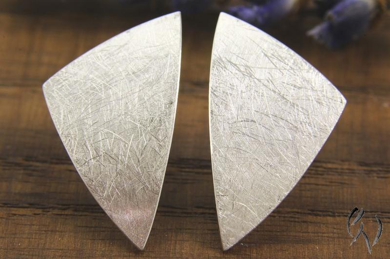 - Große Ohrstecker Silber 925/-, Dreieck mattgekratzt - Große Ohrstecker Silber 925/-, Dreieck mattgekratzt