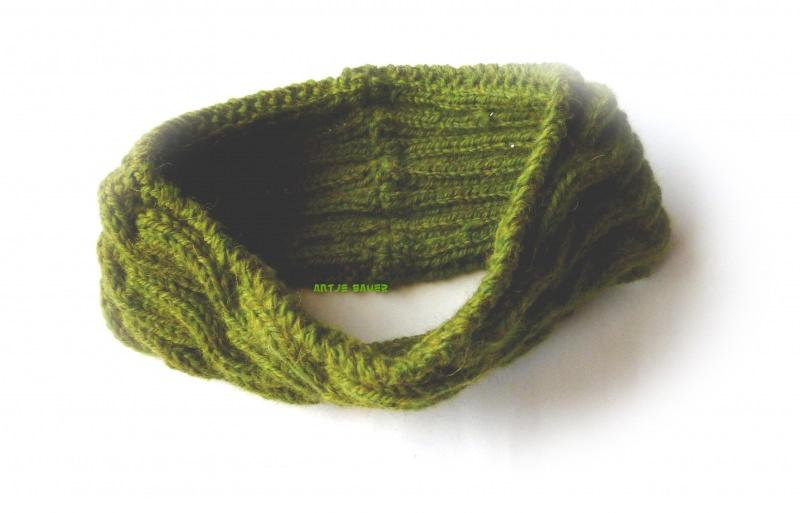 Kleinesbild - Stirnband ★ olivgrün mit Zopfmuster