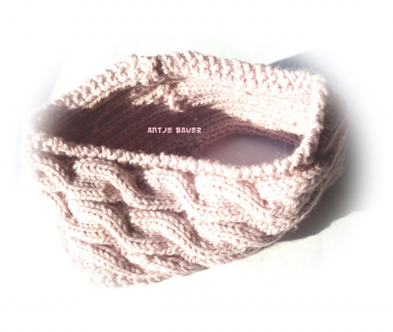Kleinesbild - Stirnband ★ puderrosa mit Zopfmuster