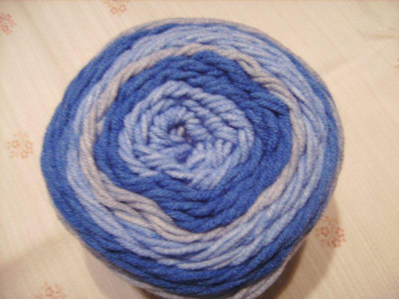 - Strickgarn Lolly Pop Fb. 13, blau-grau, farbverlaufend, Nadelstärke 5-6       - Strickgarn Lolly Pop Fb. 13, blau-grau, farbverlaufend, Nadelstärke 5-6