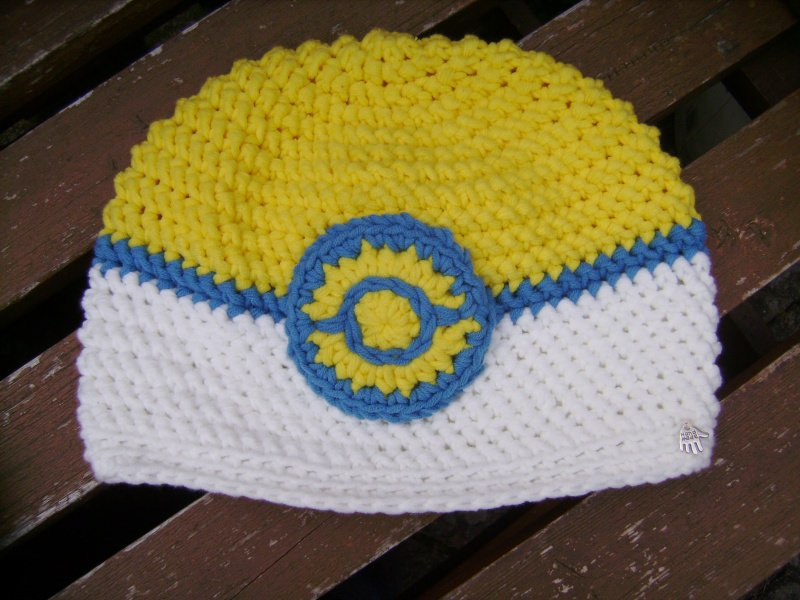 Kleinesbild - handgehäkelte Mütze aus Baumwollemischgarn, gelb/weiß, KU 52-56cm