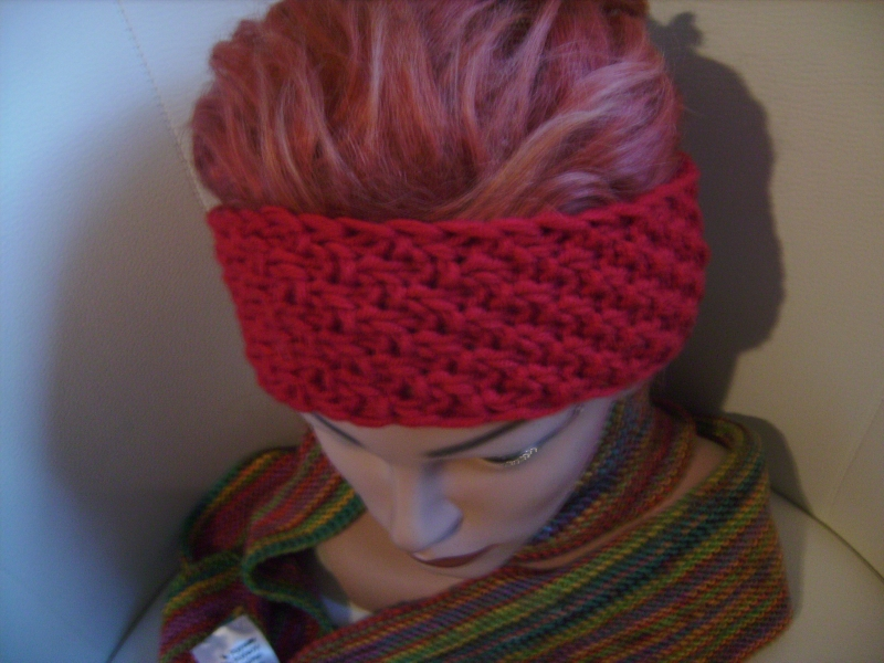 - handgestricktes Stirnband in rot aus Handstrickgarn, KU ca. 55-57 cm          - handgestricktes Stirnband in rot aus Handstrickgarn, KU ca. 55-57 cm