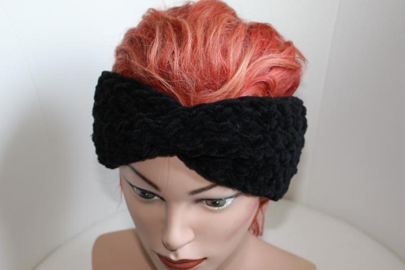 Kleinesbild - handgestricktes Twist-Stirnband in schwarz aus Chenille-Garn, KU ca. 54-56 cm