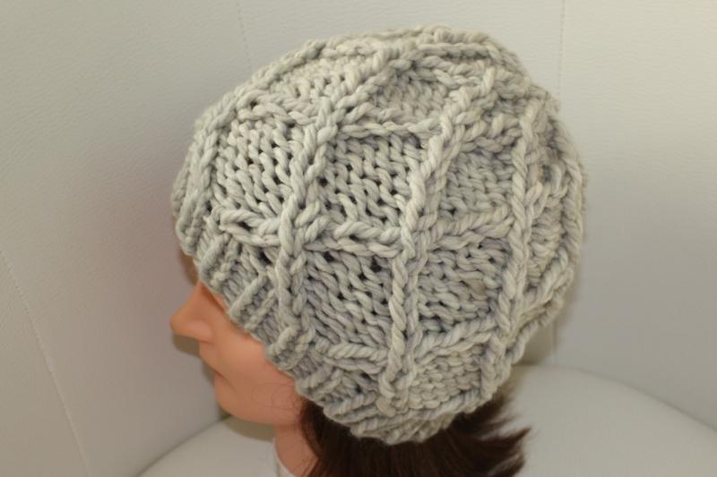 Kleinesbild - Damen-Mütze/Beanie, handgestrickt mit Muster, KU ca. 55-58cm, hellgrau melange
