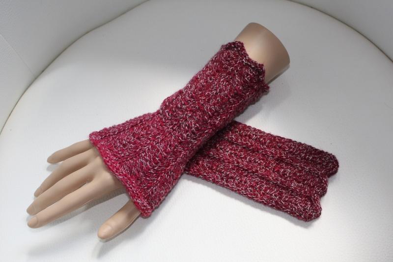 Kleinesbild - handgestrickte Arm-/Handstulpen, Pulswärmer ohne Daumenloch,  rot-farbverlaufend