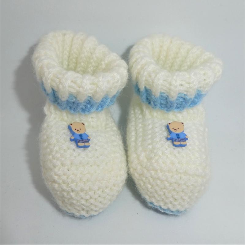 - Babyschuhe, weiß mit hellblau und kleinem Teddybär, Fußlänge 9 cm - Babyschuhe, weiß mit hellblau und kleinem Teddybär, Fußlänge 9 cm