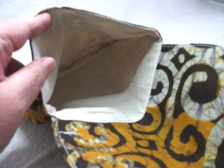 Kleinesbild - Kleine Tasche im afrikanischen Style in Gelb, Braun und Weiß, handgemacht