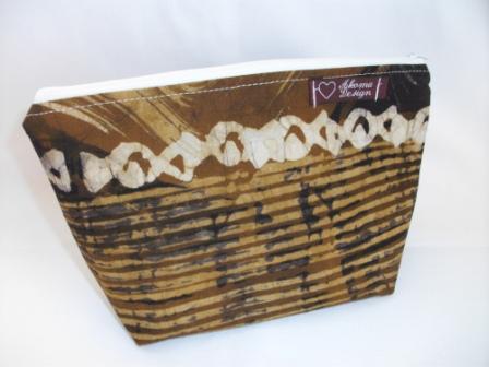 Kleinesbild - Kleine Tasche genäht im afrikanischen Style in Weiß und Brauntönen