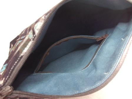 Kleinesbild - Tasche genäht, aus afrikanischen Batikstoff in Blau, Braun und Schwarz