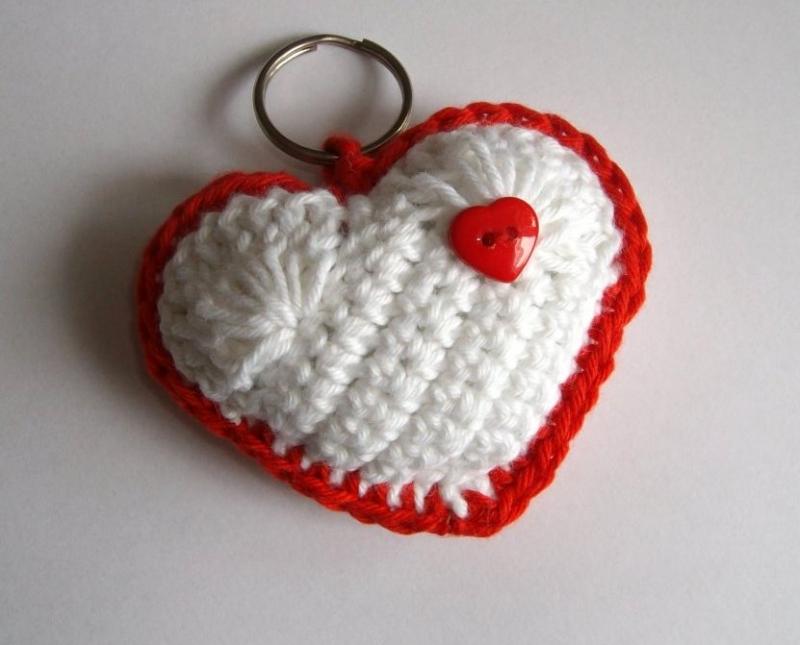 - Schlüsselanhänger Herz in weiß und rot, niedlich - Schlüsselanhänger Herz in weiß und rot, niedlich