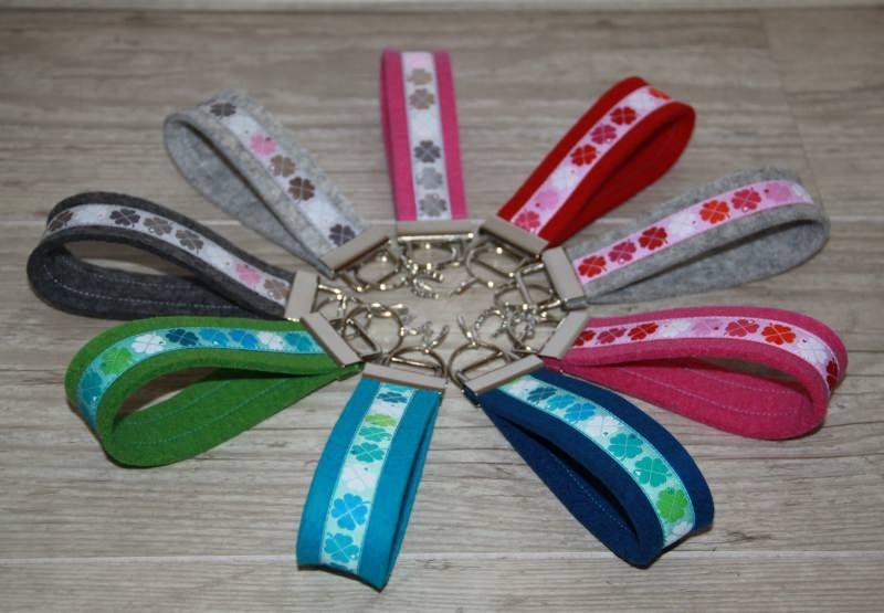 - Schlüsselanhänger Klee, Kleeblatt, Glücksklee, grau, rosa, mint - Schlüsselanhänger Klee, Kleeblatt, Glücksklee, grau, rosa, mint