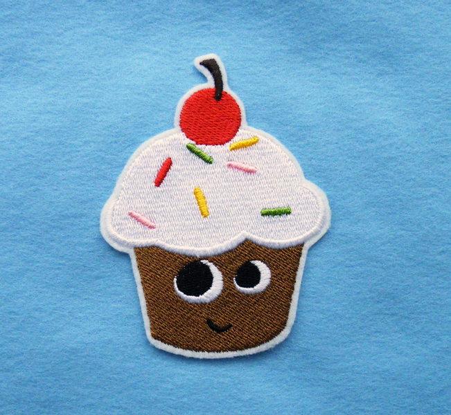 - gestickter Aufnäher Muffin - gestickter Aufnäher Muffin