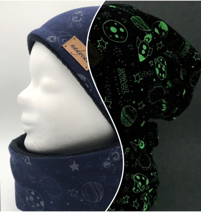 - GLOWING WELTRAUM BLUE Beanie mit passendem Loop, Winter Set - GLOWING WELTRAUM BLUE Beanie mit passendem Loop, Winter Set