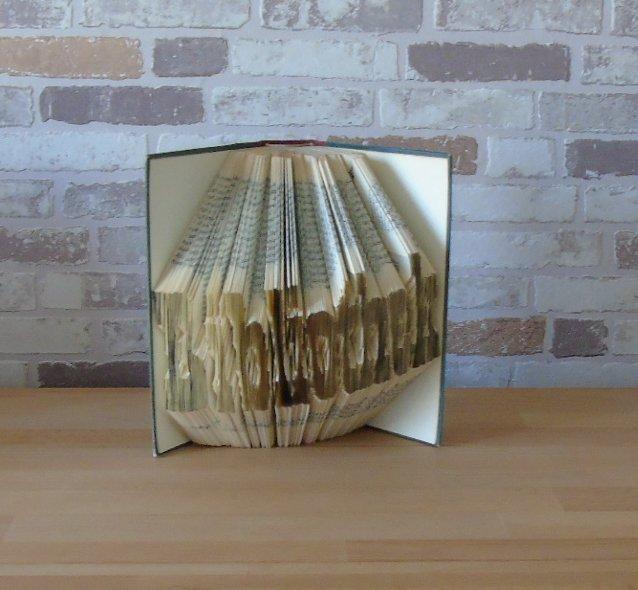- gefaltetes Buch - Bibliothek//  Dekoration // Geschenk // Bookfolding // Leseratten // Buchliebhaber - gefaltetes Buch - Bibliothek//  Dekoration // Geschenk // Bookfolding // Leseratten // Buchliebhaber