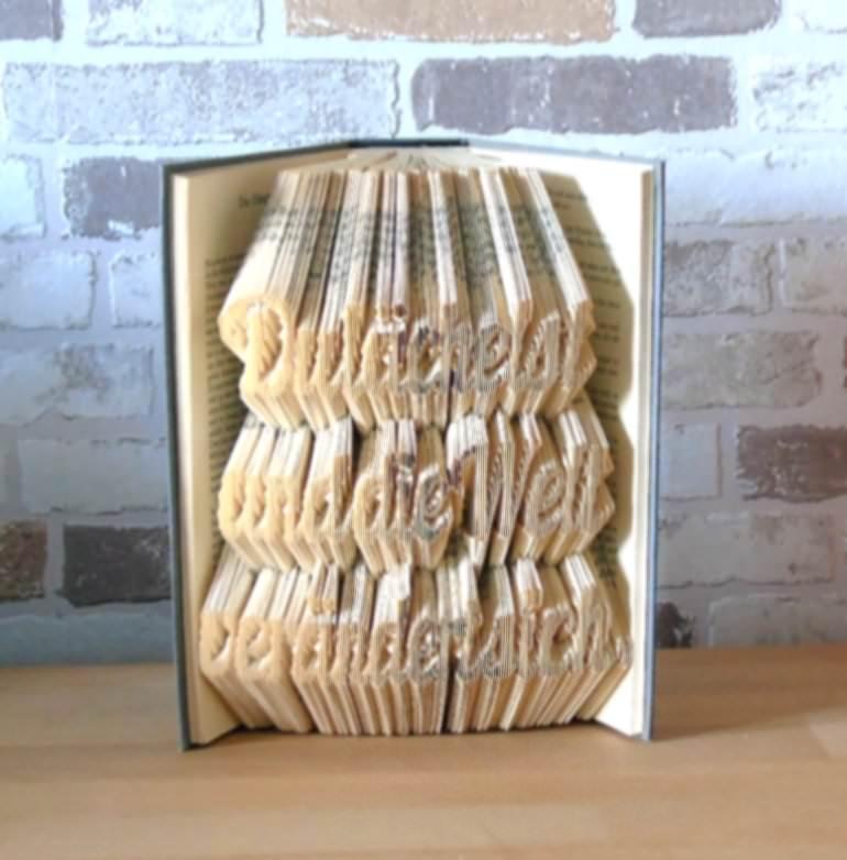 Kleinesbild - gefaltetes Buch - Du lächelst und die Welt verändert sich // Buchkunst // Bookfolding // Geschenk // Dekoration // Aufmunterung