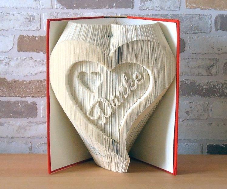 - gefaltetes Buch - Herzen mit Danke // Buchkunst // Dekoration // Geschenk // Muttertag // Freundschaft // Liebe - gefaltetes Buch - Herzen mit Danke // Buchkunst // Dekoration // Geschenk // Muttertag // Freundschaft // Liebe