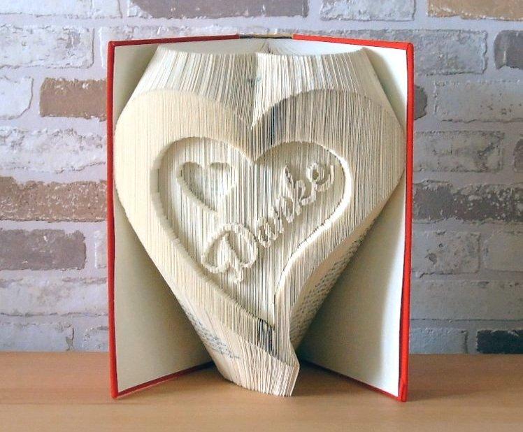 Kleinesbild - gefaltetes Buch - Herzen mit Danke // Buchkunst // Dekoration // Geschenk // Muttertag // Freundschaft // Liebe