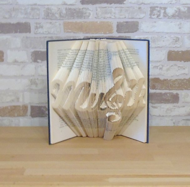 - gefaltetes Buch - Musik // Bookfolding // Buchfalten // Book Art // Buchkunst // Geschenk // Dekoration // Musikliebhaber - gefaltetes Buch - Musik // Bookfolding // Buchfalten // Book Art // Buchkunst // Geschenk // Dekoration // Musikliebhaber