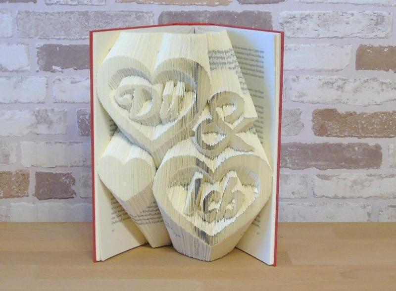 - gefaltetes Buch - Du & Ich // Bookfolding // Buchkunst // Geschenk // Dekoration // Buchfalten // Freundschaft // Valentinstag - gefaltetes Buch - Du & Ich // Bookfolding // Buchkunst // Geschenk // Dekoration // Buchfalten // Freundschaft // Valentinstag