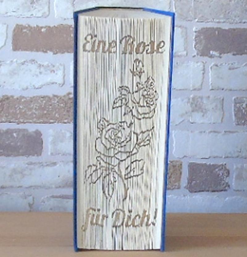 Kleinesbild - gefaltetes Buch - Eine Rose für Dich! // Buchkunst // Bookfolding // Geschenk // statt Blumen // Freundschaft // Liebe