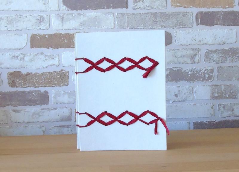 - Tagebuch Kreuzband // rot // weiß // Geschenk // Muttertag // Notizbuch // koptische Bindung - Tagebuch Kreuzband // rot // weiß // Geschenk // Muttertag // Notizbuch // koptische Bindung