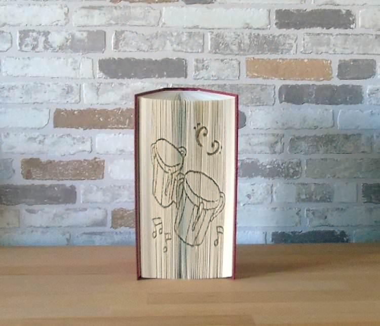 - gefaltetes Buch - Bongo Drums // Buchkunst // Bookfolding // Geschenk // Musik // Musikliebhaber // Dekoration - gefaltetes Buch - Bongo Drums // Buchkunst // Bookfolding // Geschenk // Musik // Musikliebhaber // Dekoration