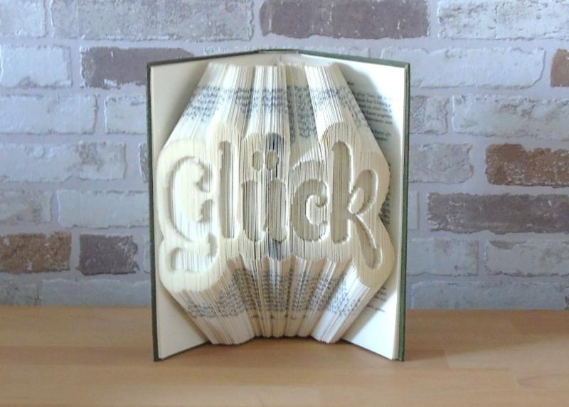 Kleinesbild - gefaltetes Buch - Glück Kontur // Buchkunst // Bookfolding // Geschenk // Freundschaft // Dekoration // Aufmunterung