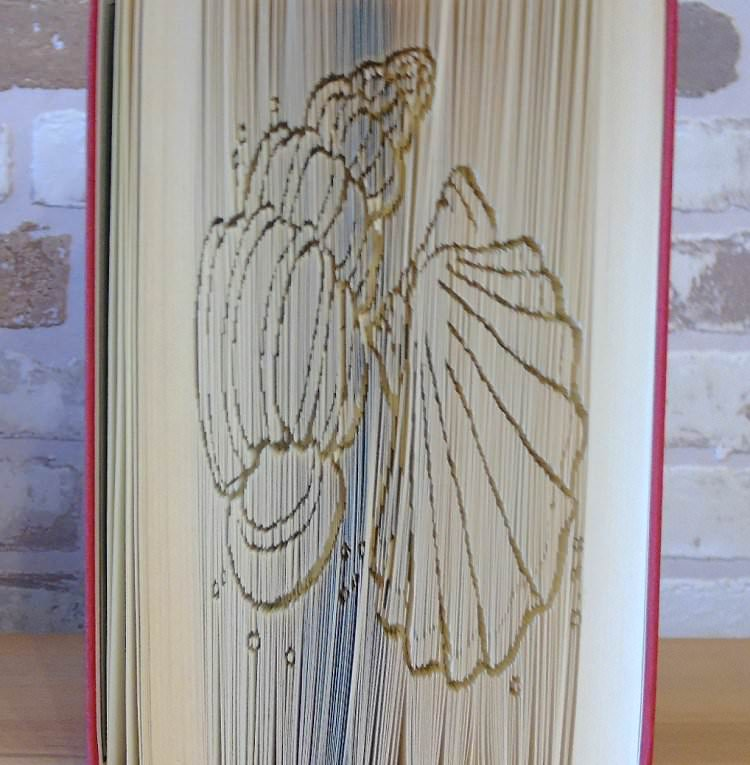 Kleinesbild - gefaltetes Buch - Muscheln // Buchkunst // Bookfolding // Geschenk // Dekoration // Urlaub // Strand